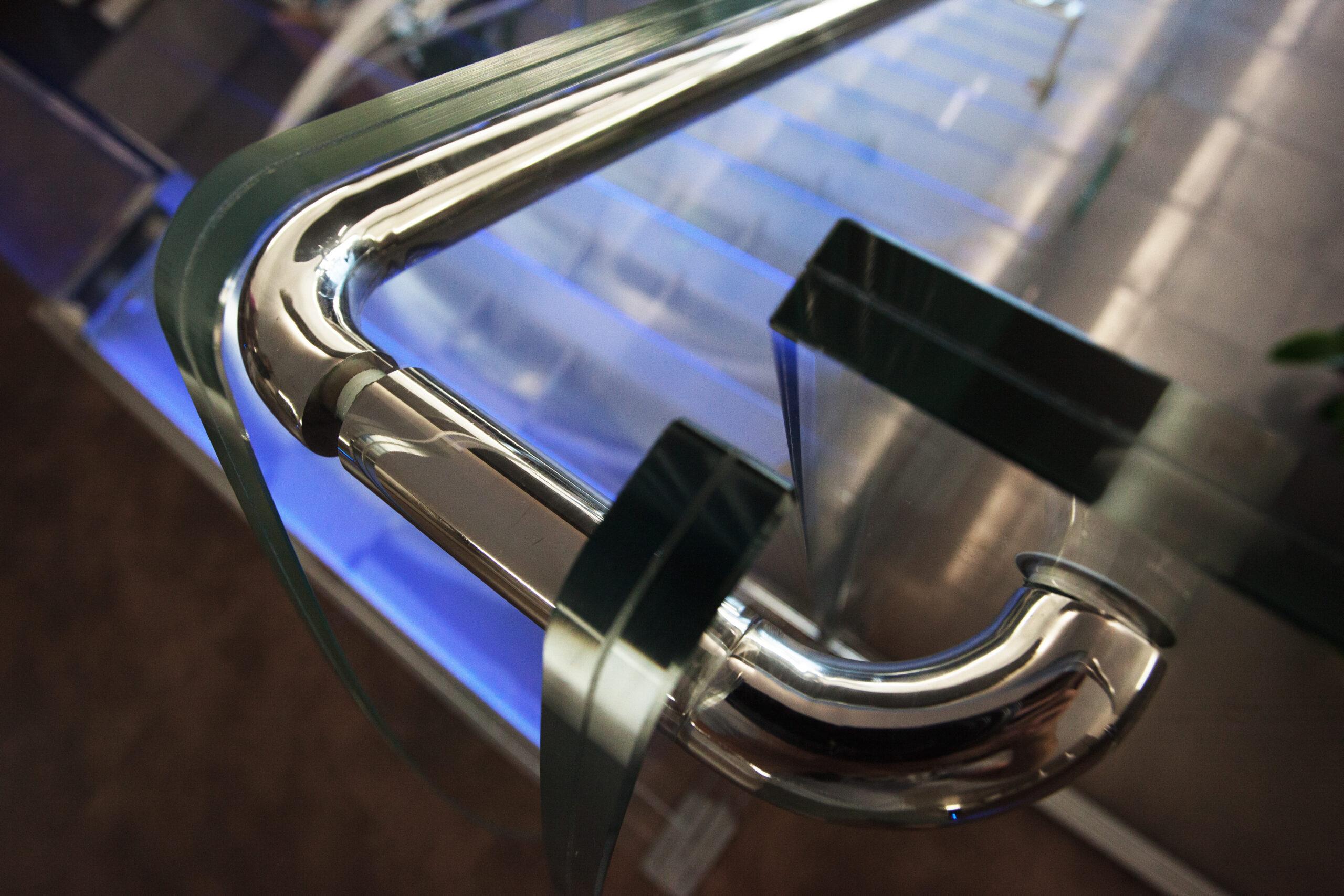 scala inox vetro